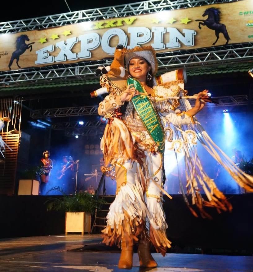 Tayná Souza é a Garota Expopin 2019