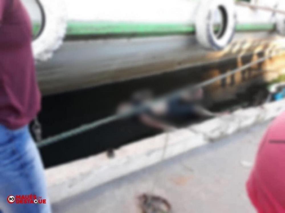 URGENTE: Corpo é encontrado boiando próximo a Porto em Maués-AM