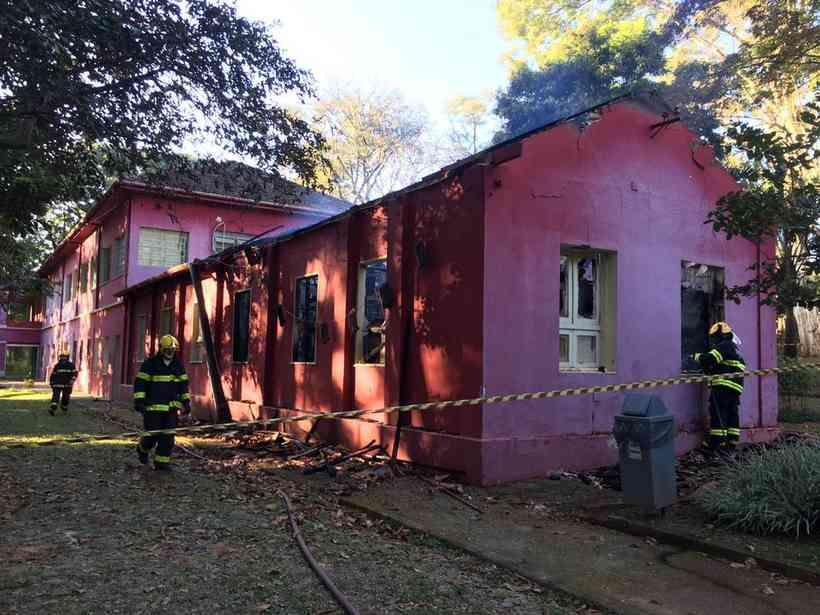 Incêndio atinge parte do Museu de História Natural da UFMG