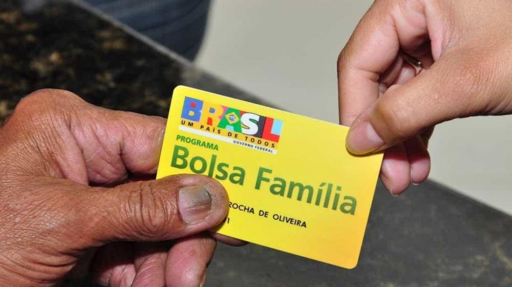Auxílio emergencial: Caixa paga hoje beneficiários do Bolsa Família