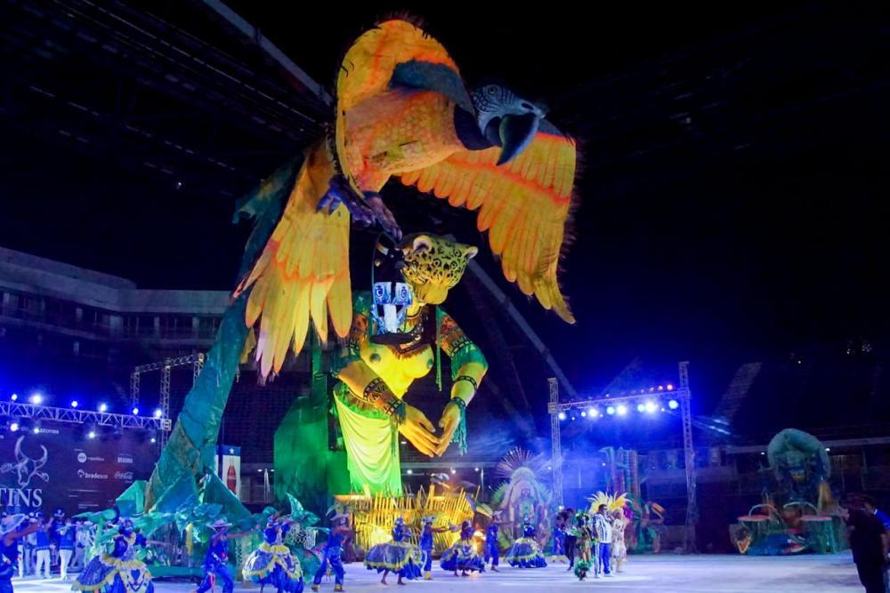 Com direito a alegorias, Caprichoso protagoniza noite de Festival em Live Parintins 2020