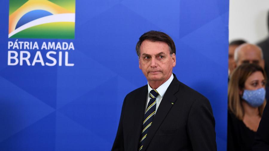 Urgente: Bolsonaro diz que seu exame para covid-19 deu positivo