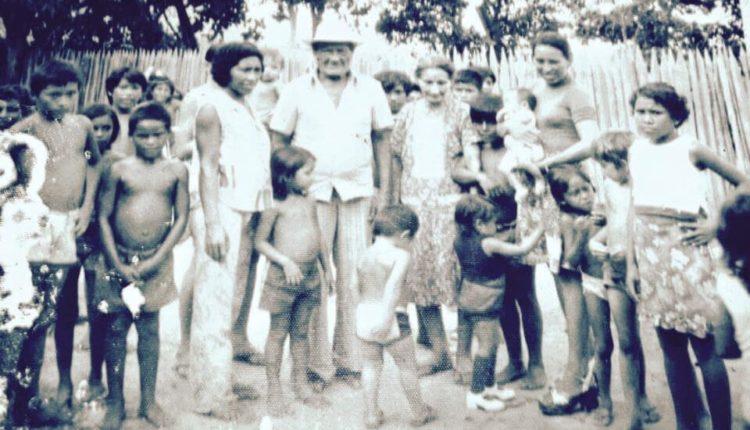 Ao centro da imagem o fundador do Boi Garantido, Lindolfo Monteverde que se fosse vivo hoje completaria hoje 118 anos.