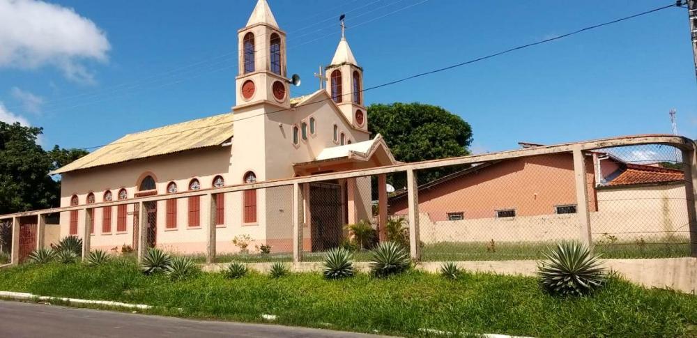 Ladrão leva ventiladores e caixa de som da Igreja de São Francisco