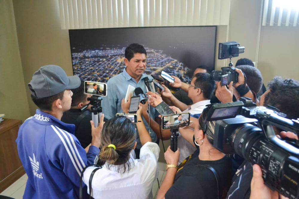 Bi Garcia anuncia medidas preventivas contra o coronavírus. (foto: Pitter Freitas)
