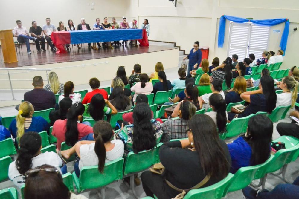 Reunião estabelece paralisação das aulas para conter avanço do Covid-19. (Foto: Pitter Freitas/Semcom)