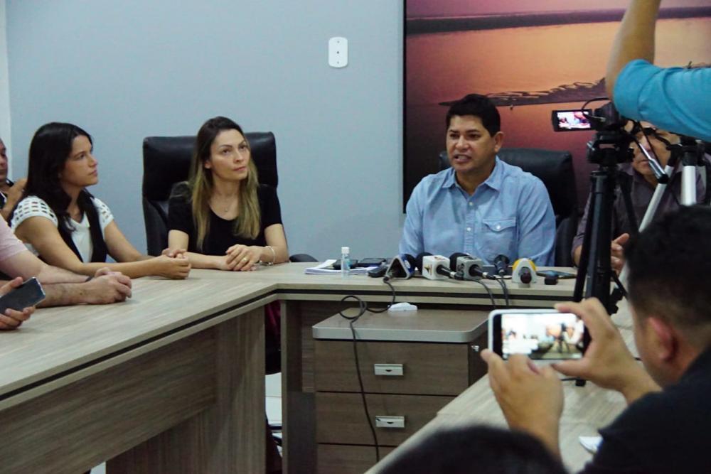 Promotoras Marina e Eliana recomendaram e o prefeito Bi Garcia decreta nesta quarta-feira toque de recolher na cidade de Parintins. (Foto: Pitter Freitas/Semcom)
