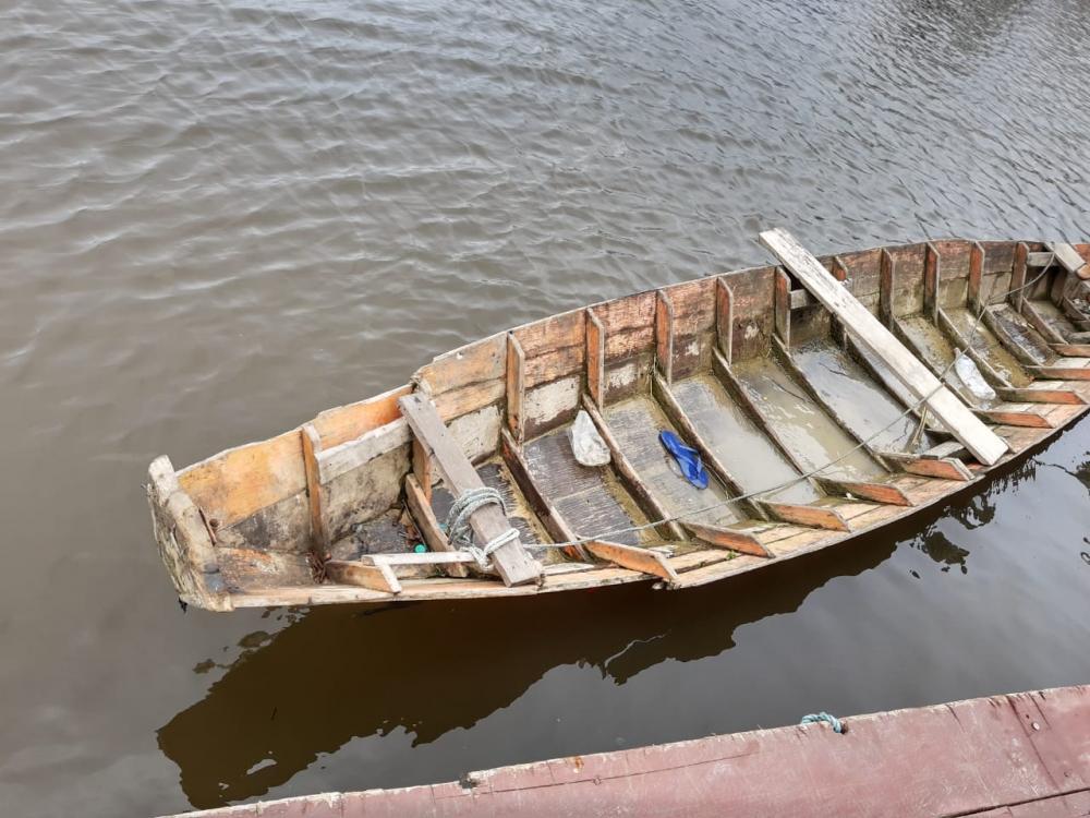 Canoa onde homens estavam com entorpecentes. Foto: Polícia MIlitar