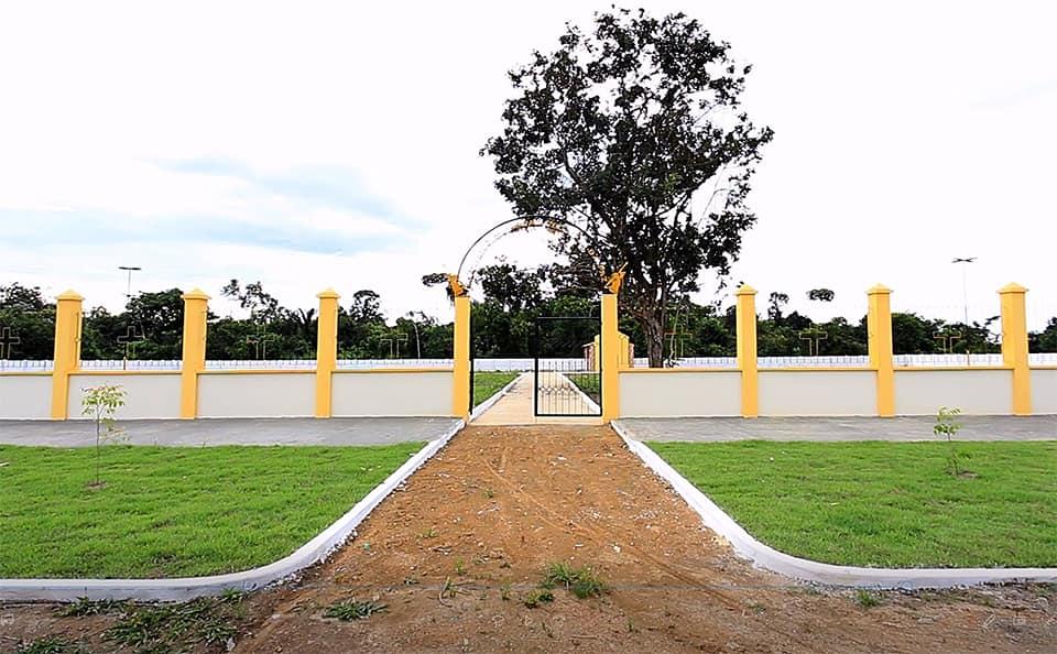 Maués inaugura cemitério com sepultamento das duas vítimas de Coronavírus