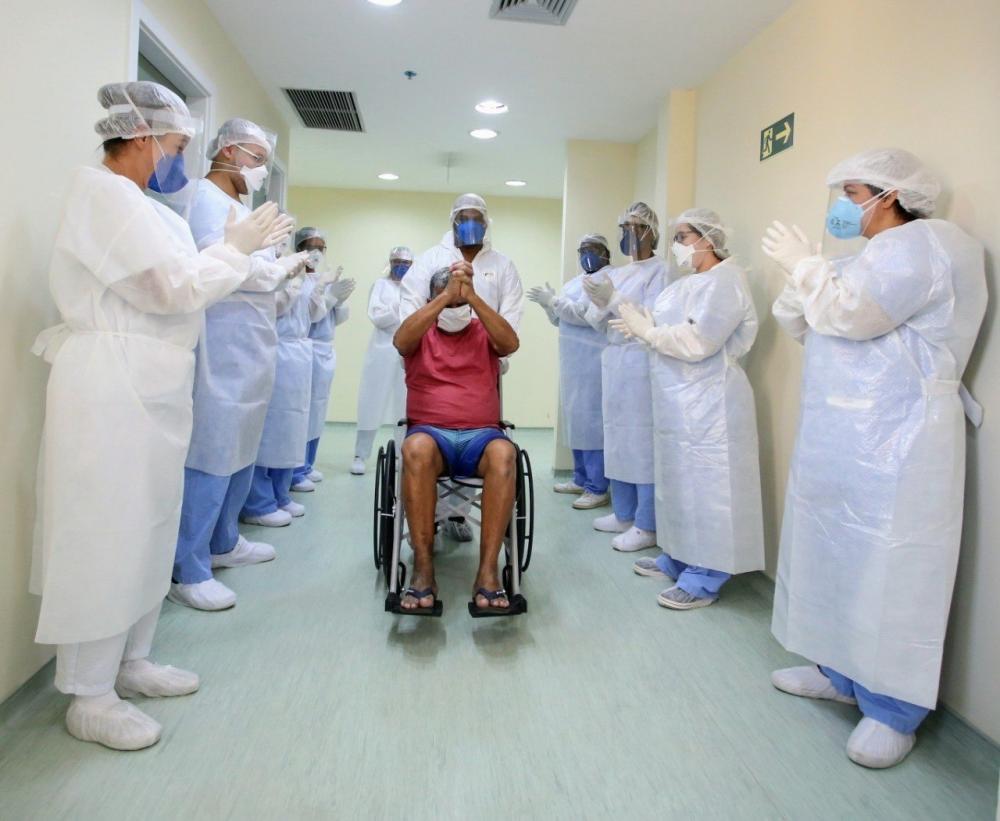 Cuidados devem ser mantidos mesmo com pacientes que tiveram alta após a Covid-19
