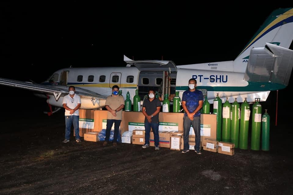 Prefeito Glênio Seixas e sua equipe recebem novos equipamentos para o tratamento a Covid-19.