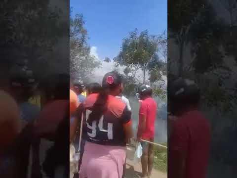 URGENTE: Carro que transportava álcool em gel para hospital de Itacoatiara sofre acidente nas proximidades da barreira do poranga. Veja vídeo: